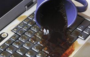 Cách Khắc Phục Khi Bị Đổ Nước Vào Laptop