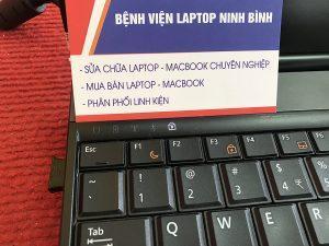 Laptop có đèn báo sạc pin không sáng.